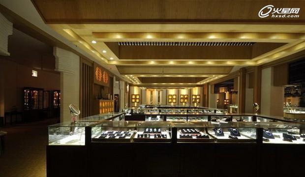 摆脱传统思维模式 蜀煌珠宝商场展示设计