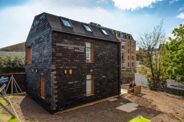 废料搭建的环保房屋